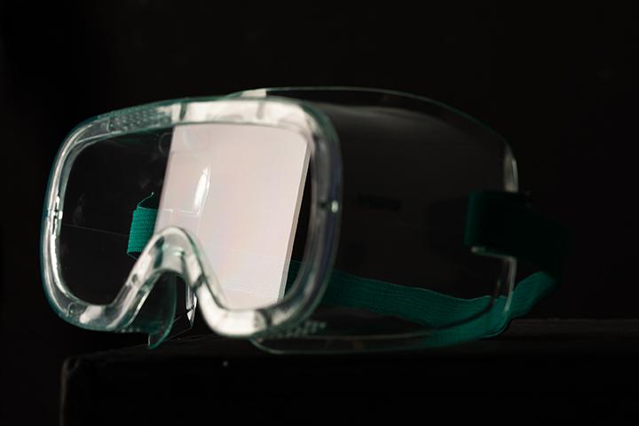 轻便型护目镜(防雾)